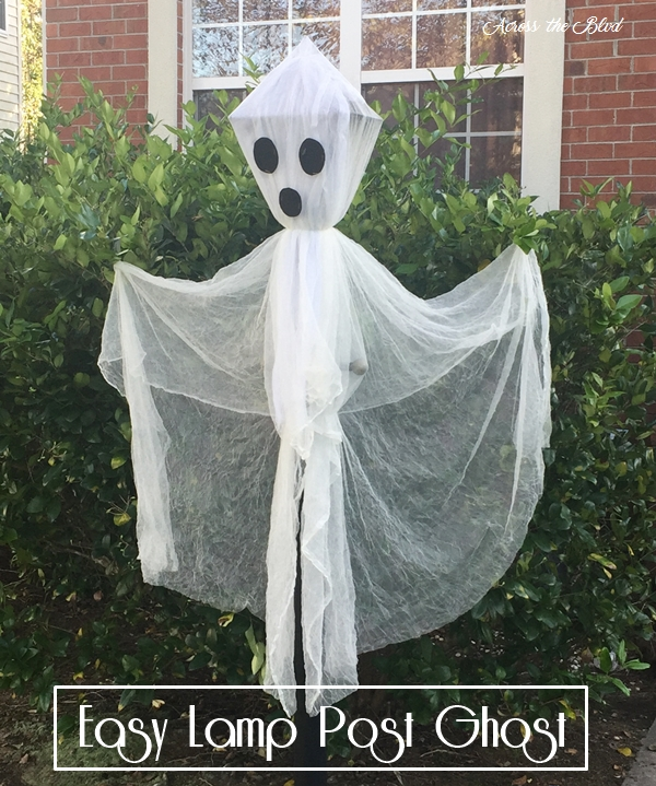 Lamp Post Ghost for Halloween Across the Blvd