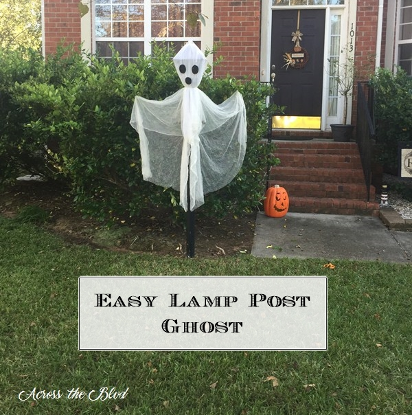 Easy Lamp Post Ghost for Halloween