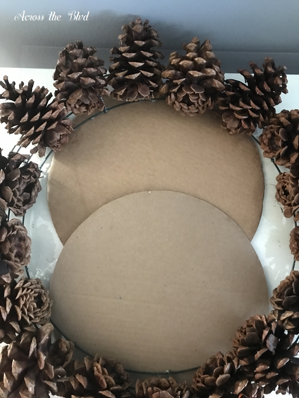 Pine Cone Wreath for Thanksgiving cardboard