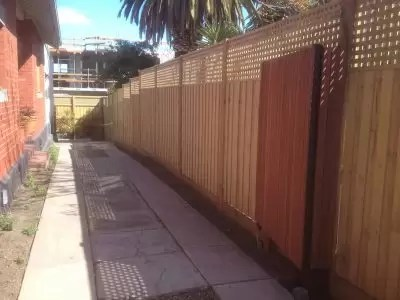 Driveway fencing in Elwood. Quality fence builder – Act Fast Fencing