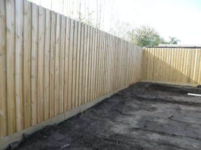 Noise reduction acoustic thick paling fence – keep the street noise out.