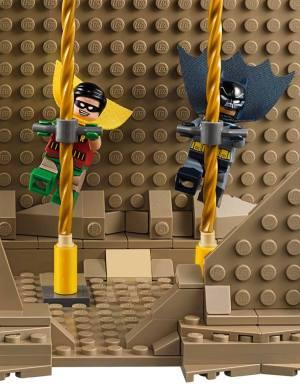 Lego66BatmanBatcaveBatpoles