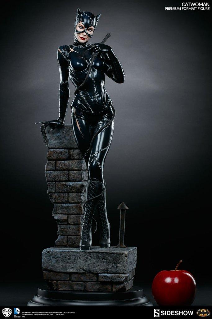 dc-comics-catwoman-premium-format-300270-05