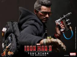 Iron Man 3 Tony Stark (The Mechanic) Collectible Figurine 1
