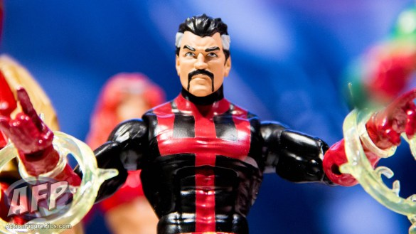 Toy Fair 2015 Hasbro Marvel Legends Hulkbuster Iron Man (18 of 22)