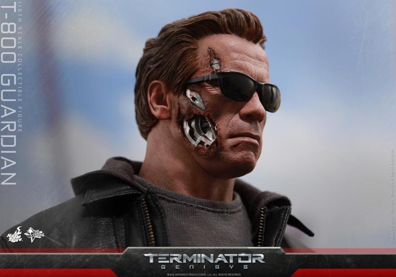 Hot Toys Terminator Genisys T-800 Guardian 01
