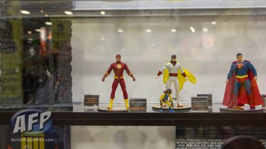 SDCC 2015 - Mezco One 12 Collective (12 of 18)
