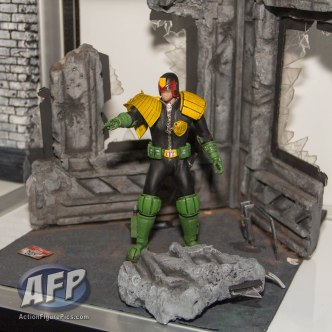SDCC 2015 - Mezco One 12 Collective (2 of 18)