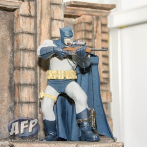 SDCC 2015 - Mezco One 12 Collective (8 of 18)