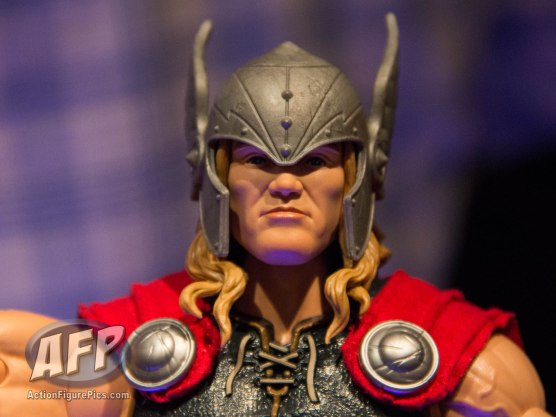 Toy Fair 2017 Marvel Legends 12-Inch Hulk and Thor (7 of 9)