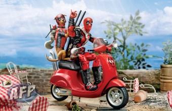2019 MARVEL DEADPOOL LEGENDS SERIES VEHICLES - Deadpool (Scooter)