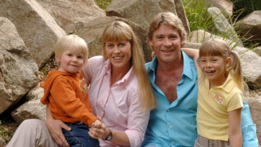 Steve Irwin's daughter Bindi pays tribute on his birthday ...