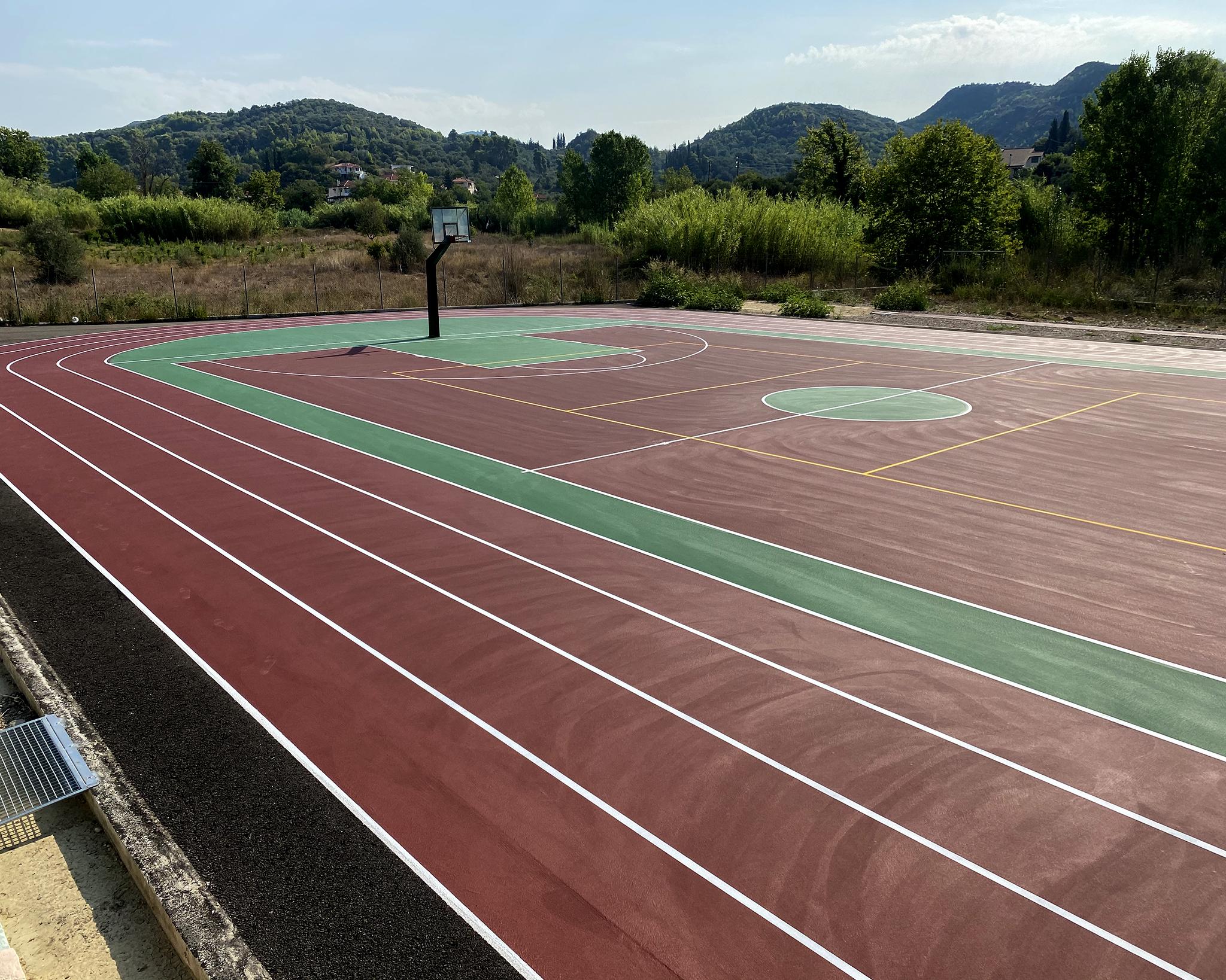 Αθλητικό δάπεδο και αθλητικός εξοπλισμός σε Δημοτικό Σχολείο του Δήμου Αρχαίας Ολυμπίας