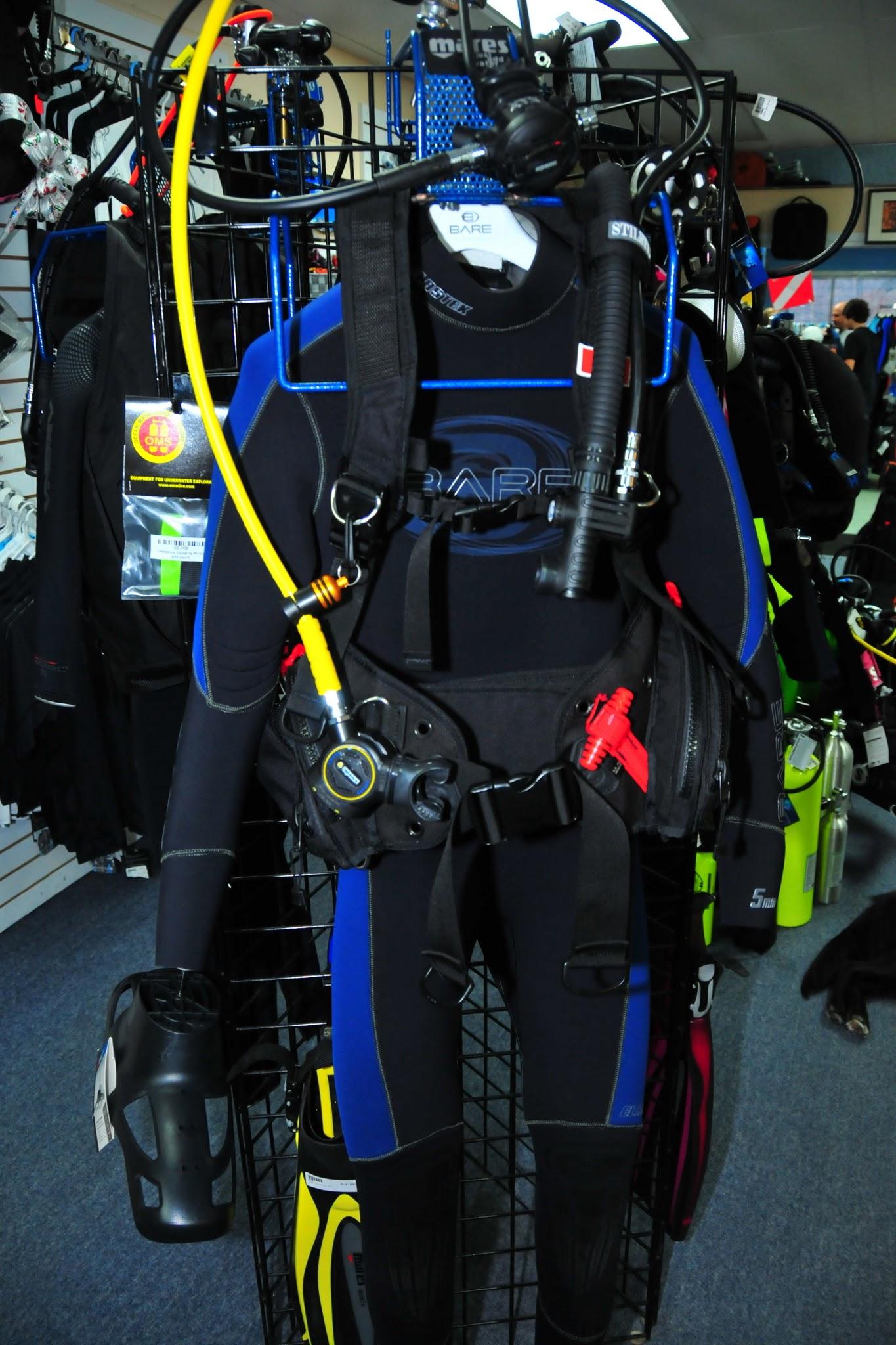 Montreal Diving Action Scuba Padi Equipment Specialist