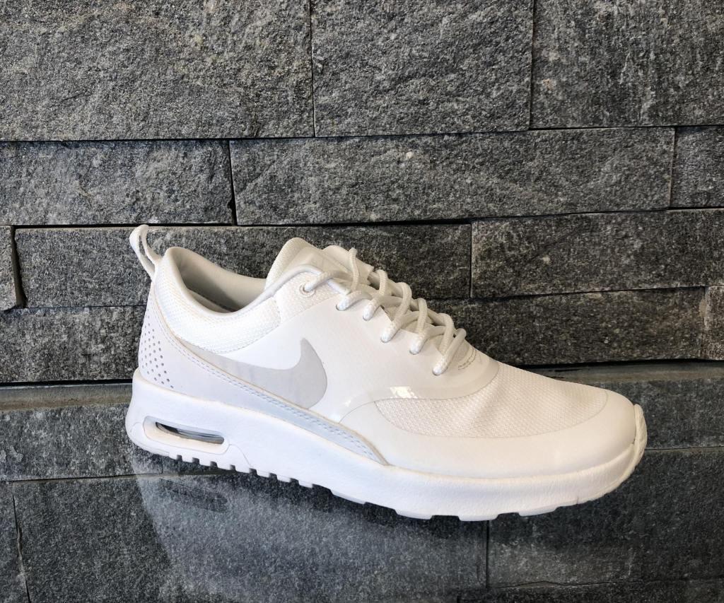 Adidasi Nike Air Max Thea Alb 599409-114