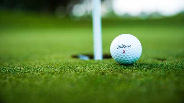 close up photo of golf ball