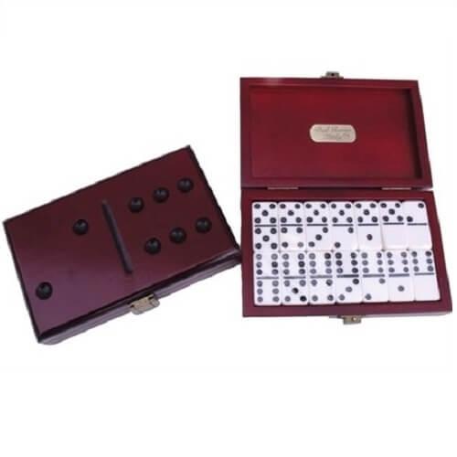 Double 6's dominoes set