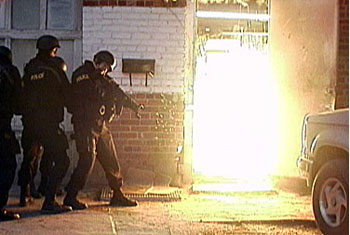 How Can You Tell The Difference Between A Swat Raid And A Home Invasion Active Response Training