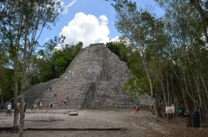 The largest Mayan pyramid in the Yucatan