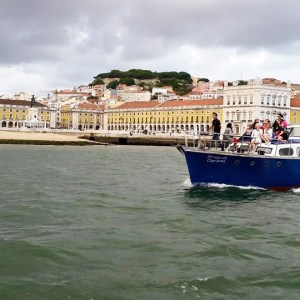 yacht hire lisbon with BBQ