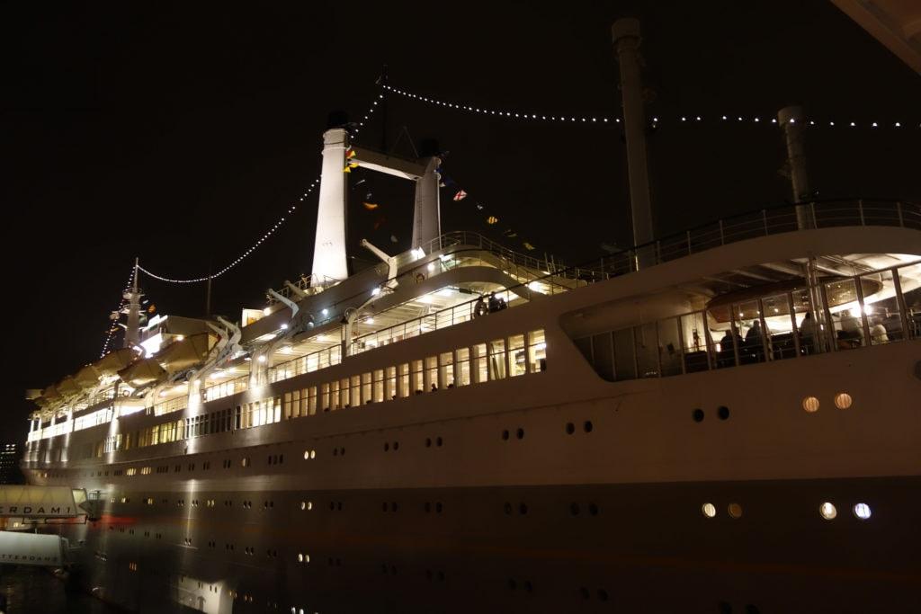 ss Rotterdam by night