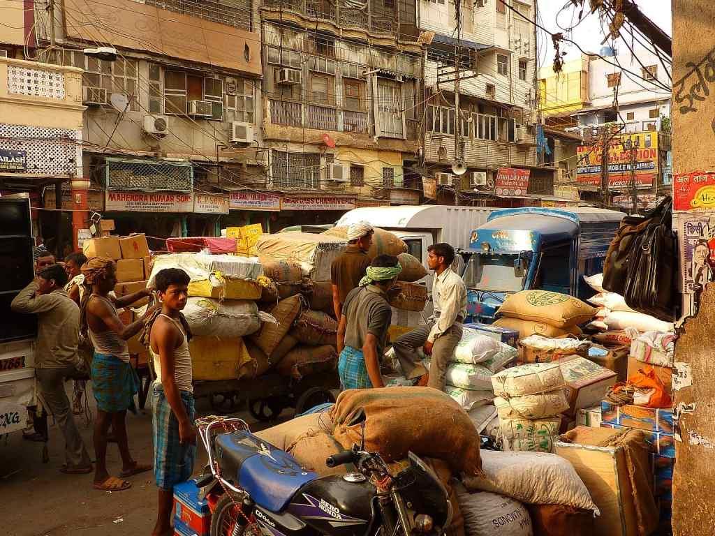 Delhi street traffic