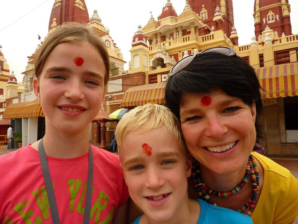 Family travel Mandir