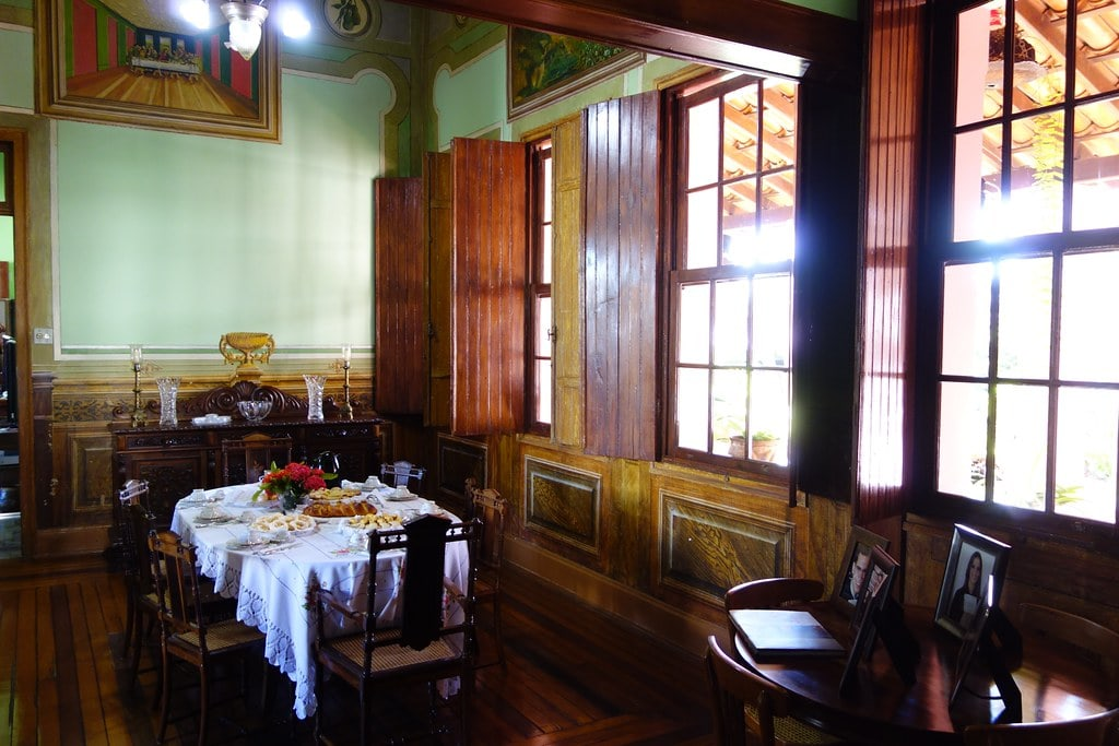 Inside the pink Borges House