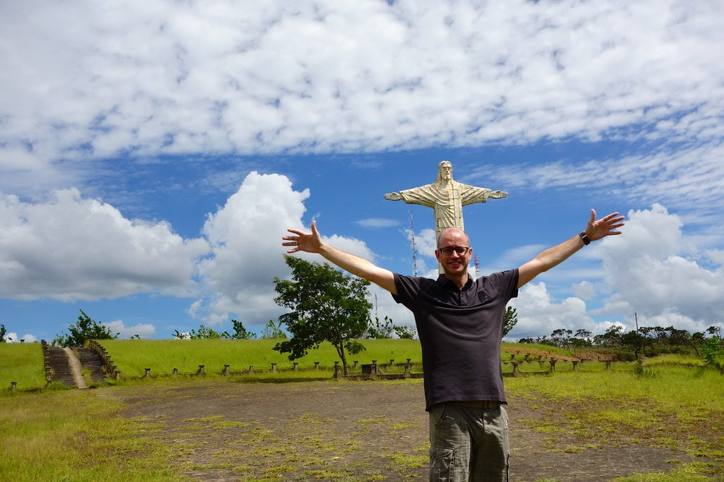 Me in front of Christ statue Patrocinio