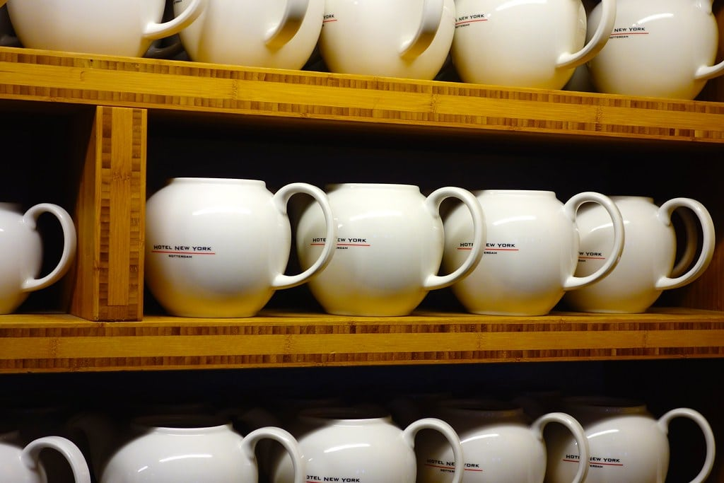 Tea cups with Hotel New York logo