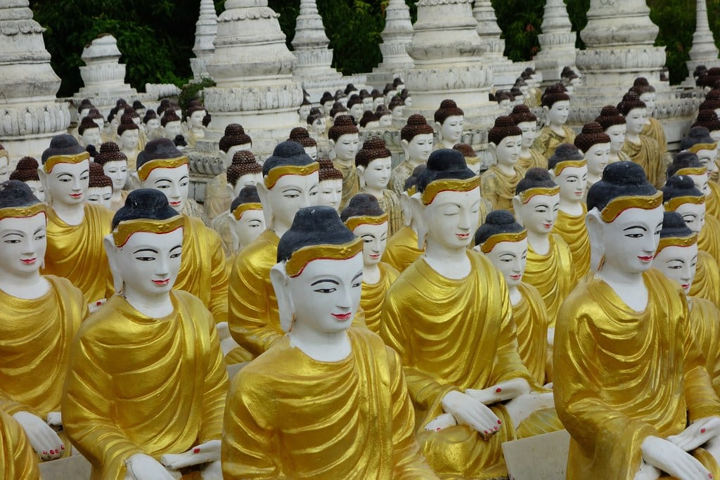 Hundreds of Buddha statues