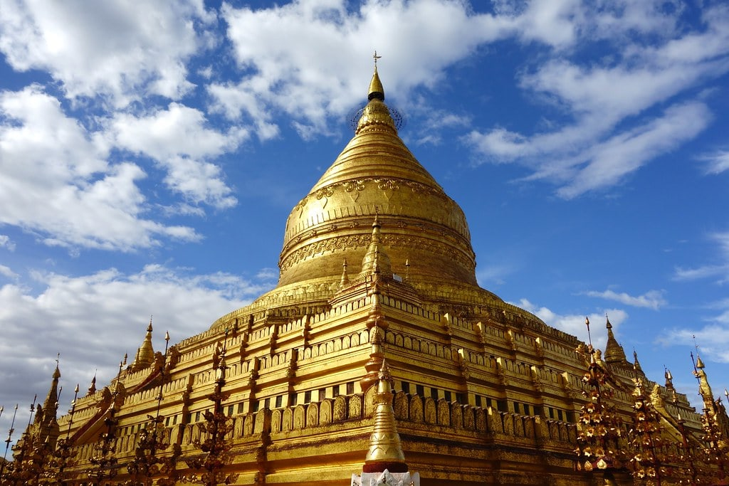 Golden temple Bagan with blue sky