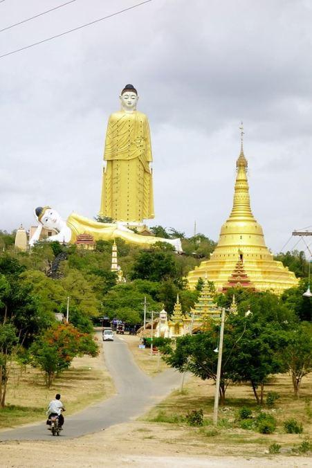 Buddha statues Monywa