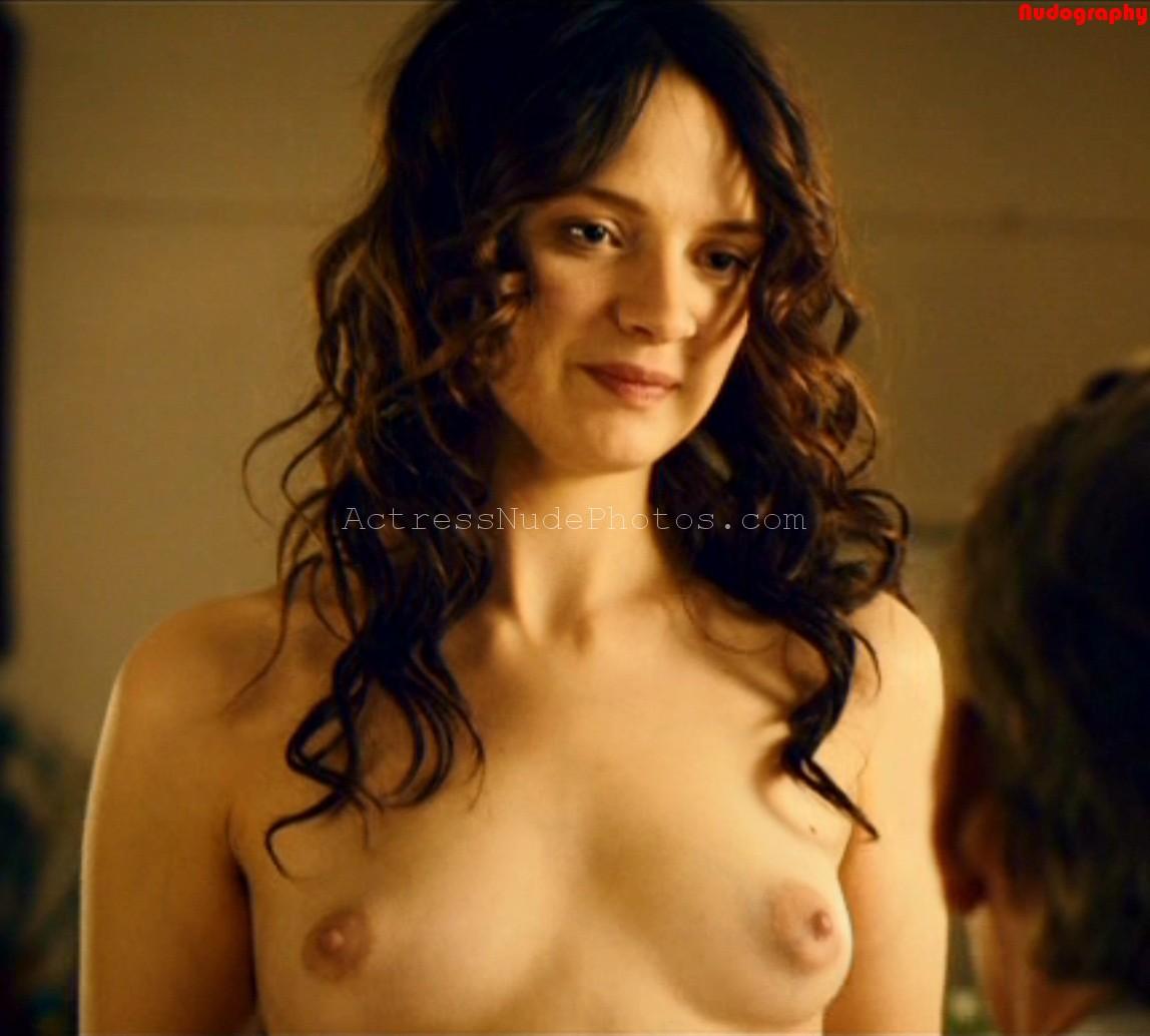 Sara Forestier nude boobs pussy in movie Le nom des gens