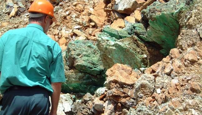 Nouvelle-Calédonie : journée de deuil au sein du mouvement des transporteurs de nickel