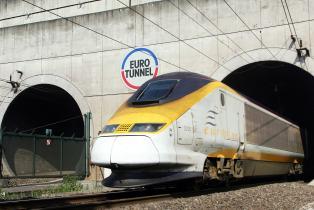 """La France prépare des contrôles dans le tunnel sous la Manche en vue d'un Brexit """"sans accord"""""""