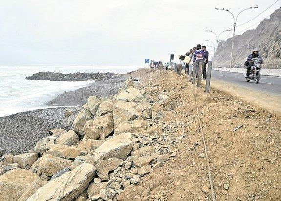 Enrocado de playa La Pampilla. Foto: Correo