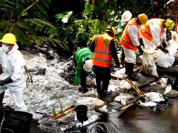 Se verificó que la empresa instaló barreras de contención en el cauce de la quebrada Inayo.