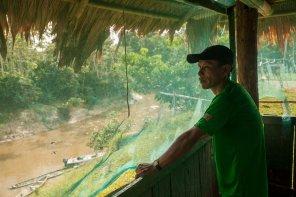 Cada comunidad ribereña tiene un puesto de vigilancia desde el cual se cumple con la labor de control. En Diamante, el puesto, ubicado frente al río Quebrada Blanco, representa uno de los ingresos al ACRCTT, ubicada a 6 horas en lancha desde Iquitos.
