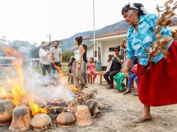 Artesanos de Huancas nos enseñaron la técnica que usan en su cerámica, mostrándonos toda su fortaleza. Por algo este arte ha sido declarado Patrimonio Cultural de la Nación.