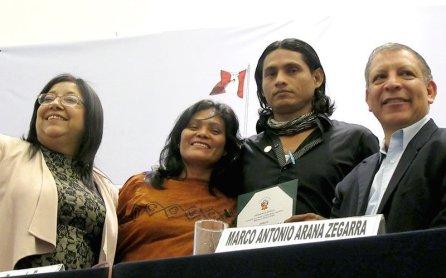José Fachín, reconocido líder indígenas también fue reconocido.