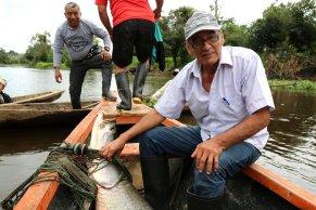 En El Dorado se realiza la pesca sostenible de paiche, el cual es supervisado por el Sernanp. Foto: Jaime Tranca / SPDA