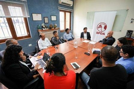 La reunión protocolar de la firma del convenio se realizó en la oficina de SPDA en Lima. Foto: Fiorella Fiestas / SPDA