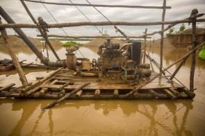 Operativo contra la minería ilegal en el sector de Laberinto realizado el pasado 16 de abril. Foto: Pavel Martiarena