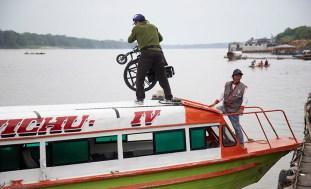 El tránsito hacia Mazán es constante, así como la movilidad por río hasta otros puntos más alejados de Iquitos.