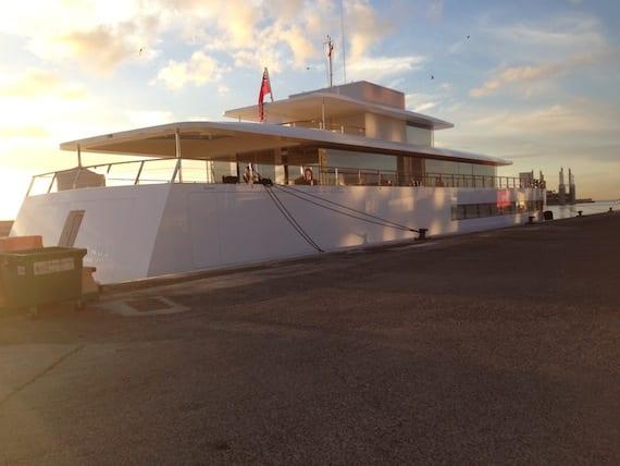 El yate de Steve Jobs atraca en Tenerife