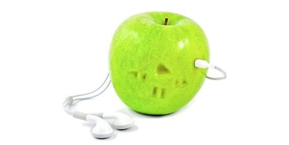 estafa iphone Una mujer paga 1500$ por dos cajas de iPhone con una manzana dentro
