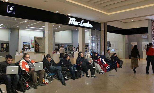 Así se veía esta mañana el Mac Center del Centro Comercial Andino.