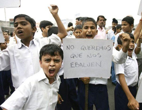 Los niños dicen que el paro se mantendrá hasta que se erradiquen las evaluaciones en los colegios.