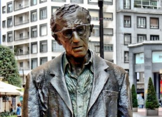 Estatua de Woody allen en Oviedo. /Flickr